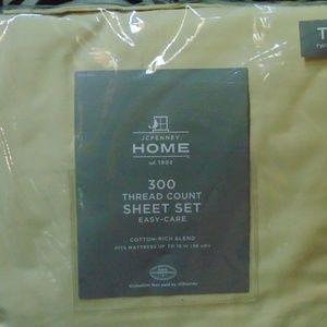 NWT twin sheet set
